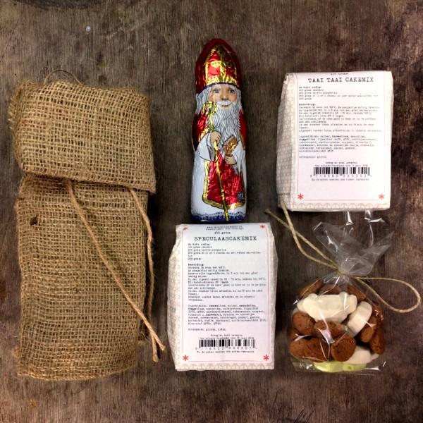 sinterklaaspakketje in een jute zak